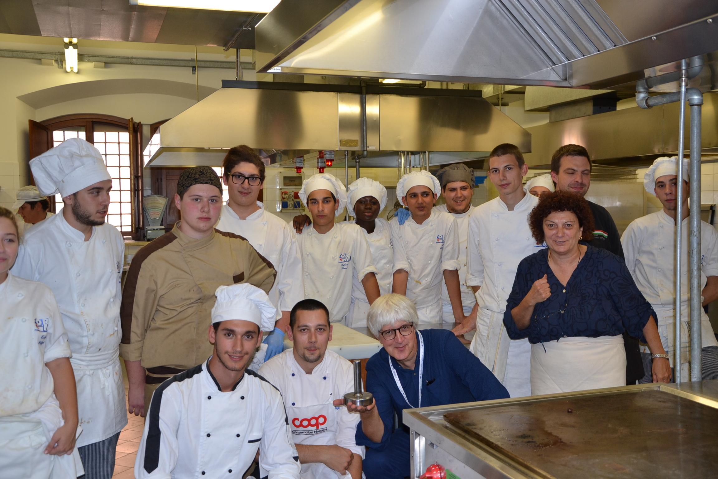 La voce di mantova 05 04 14 beppe severgnini tra gli chef della mensa - La cucina mantova ...