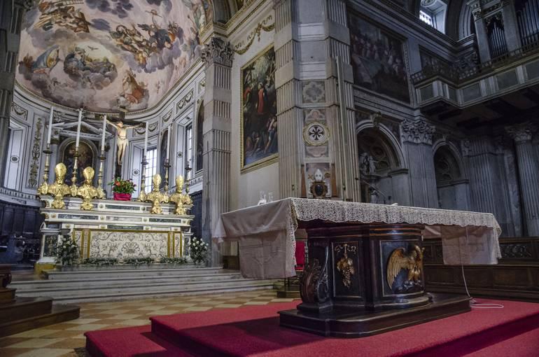 Attachment Sant_Anselmo_da_Lucca___Patrono_di_Mantova___Altare_del_Duomo-thumbnail-770x570-70.jpg